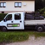 nalozena dodavka travovymi kobercami